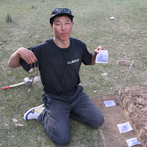 Sabyr buried tea in Kyrgyzstan, Autumn 2013. By сабырбек Кочконбаев