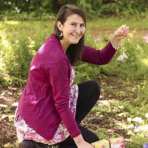Sarah inviting UK gardeners to bury tea. 2015. By S. Duddigan