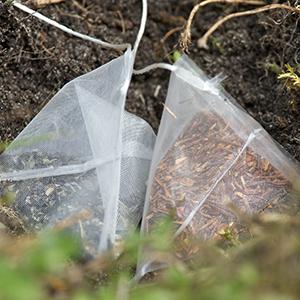 Woven tea bags by Bas van de Riet, 2013